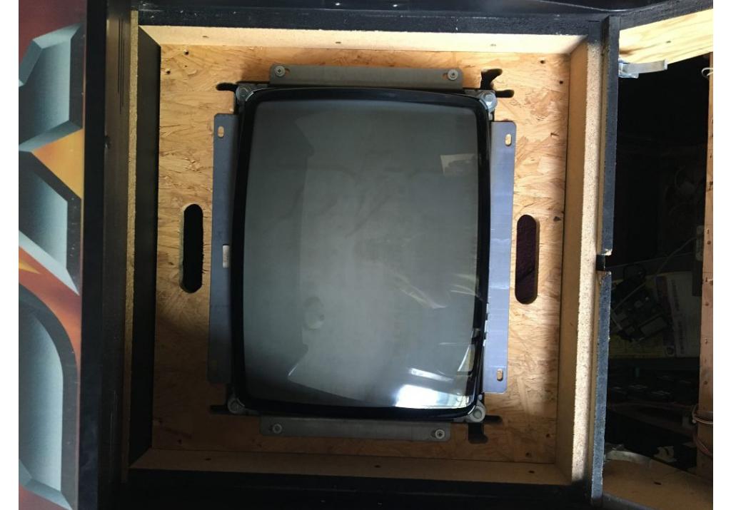 Mounting k7000 Monitor