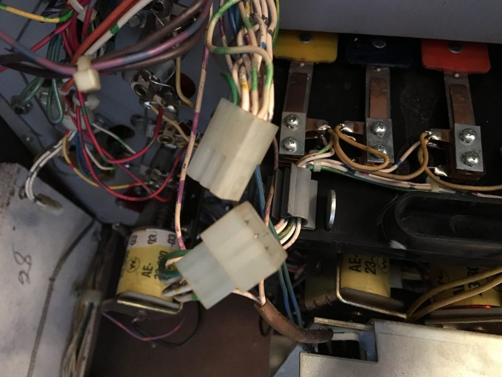 Drop-target connectors